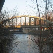 Donaukanal_unmittelbar_nach_dem_Abzweigen_bei_der_Donau