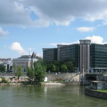 Hermann Bar bei Mündung des Wienfluss in den Donaukanal